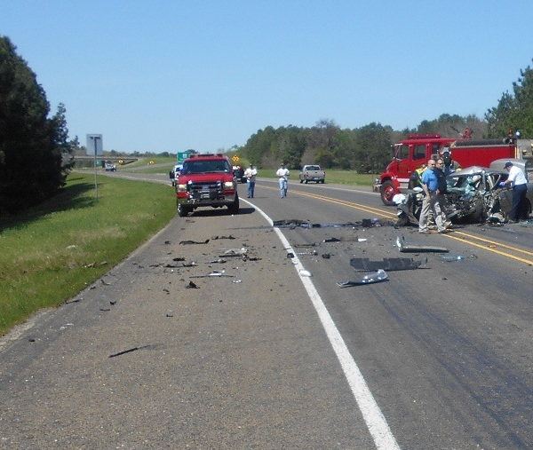 One man killed, two people injured in Marshall accident