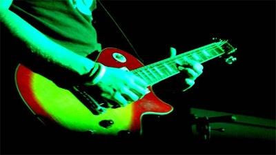 Rock-concert--guitar--music-jpg_20160407220705-159532