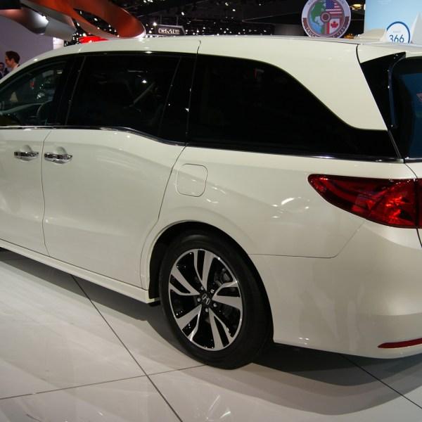 2018 Honda Odyssey 04_1484078082417-159532.JPG11358938