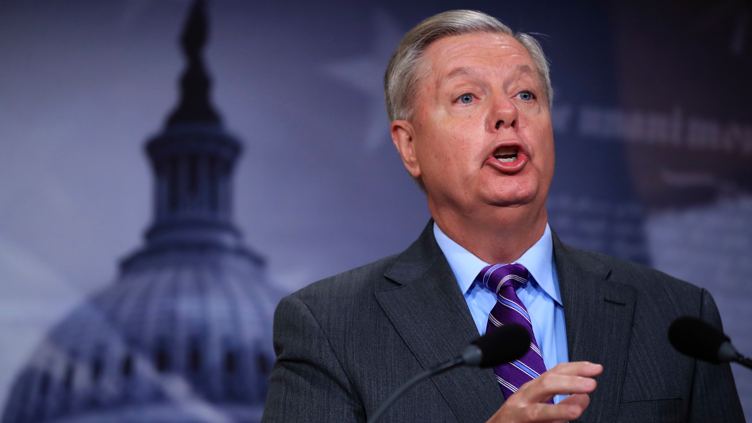 Trump_Lindsey_Graham_63754-159532.jpg12821266