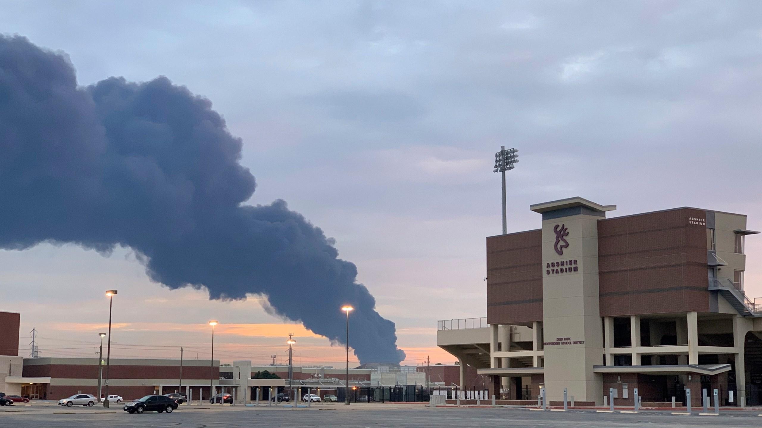 Petrochemical_Fire_Texas_95652-159532.jpg80379766