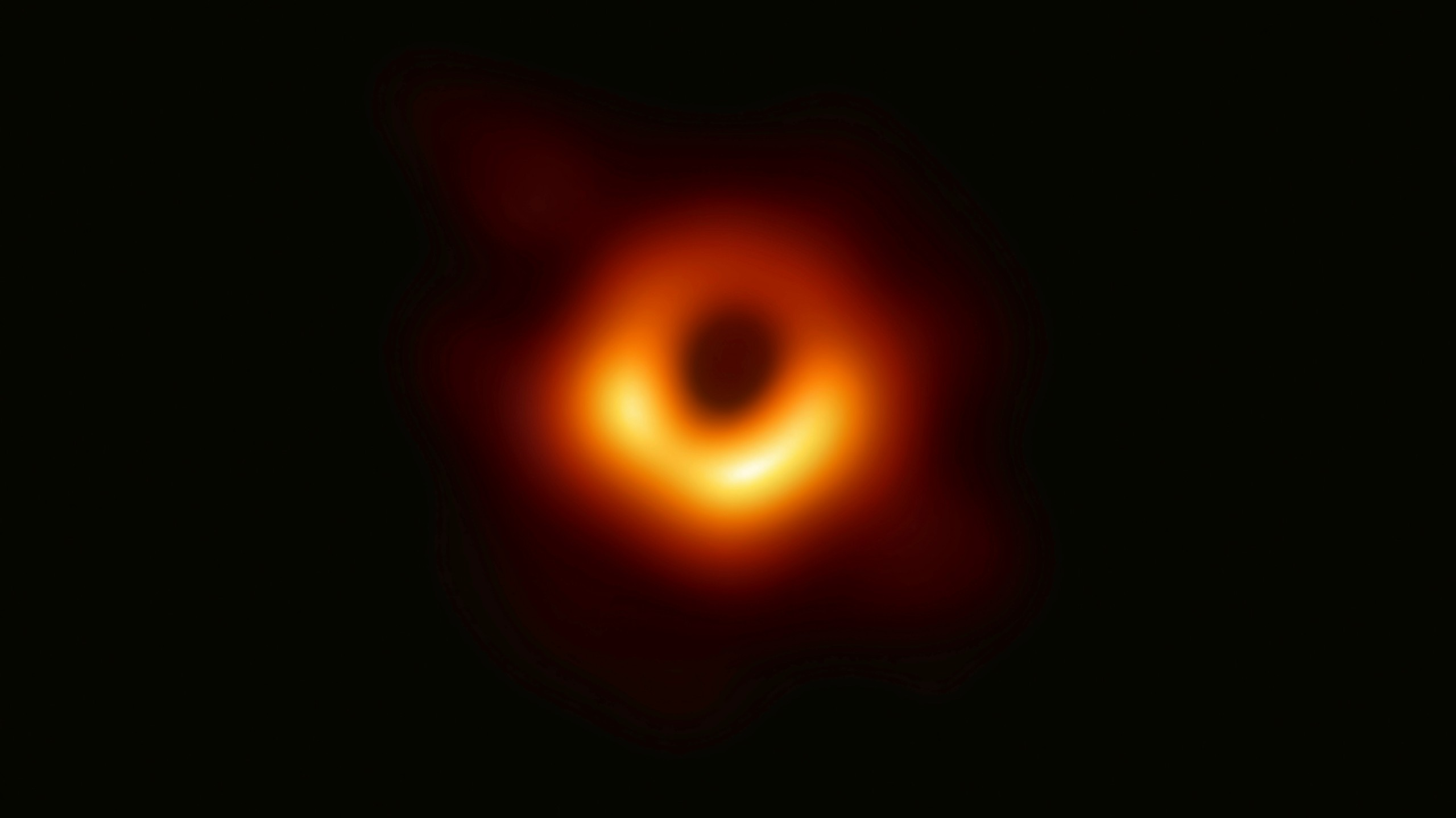 First Image of a Black Hole_1554903103010