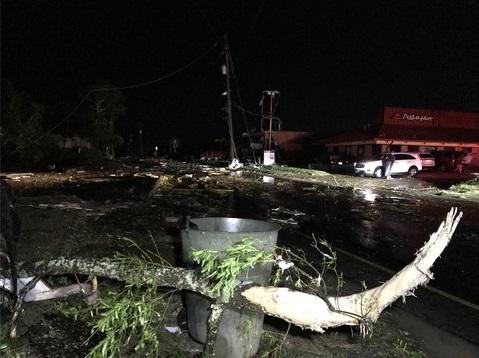 tornado damage_1556192960602.jpeg_84244226_ver1.0_640_360_1556194695745.jpg.jpg