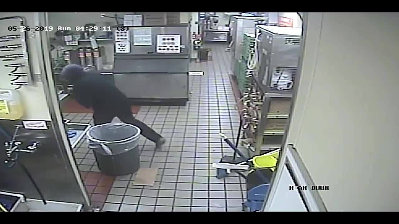 Marshall Police investigating Whataburger robbery