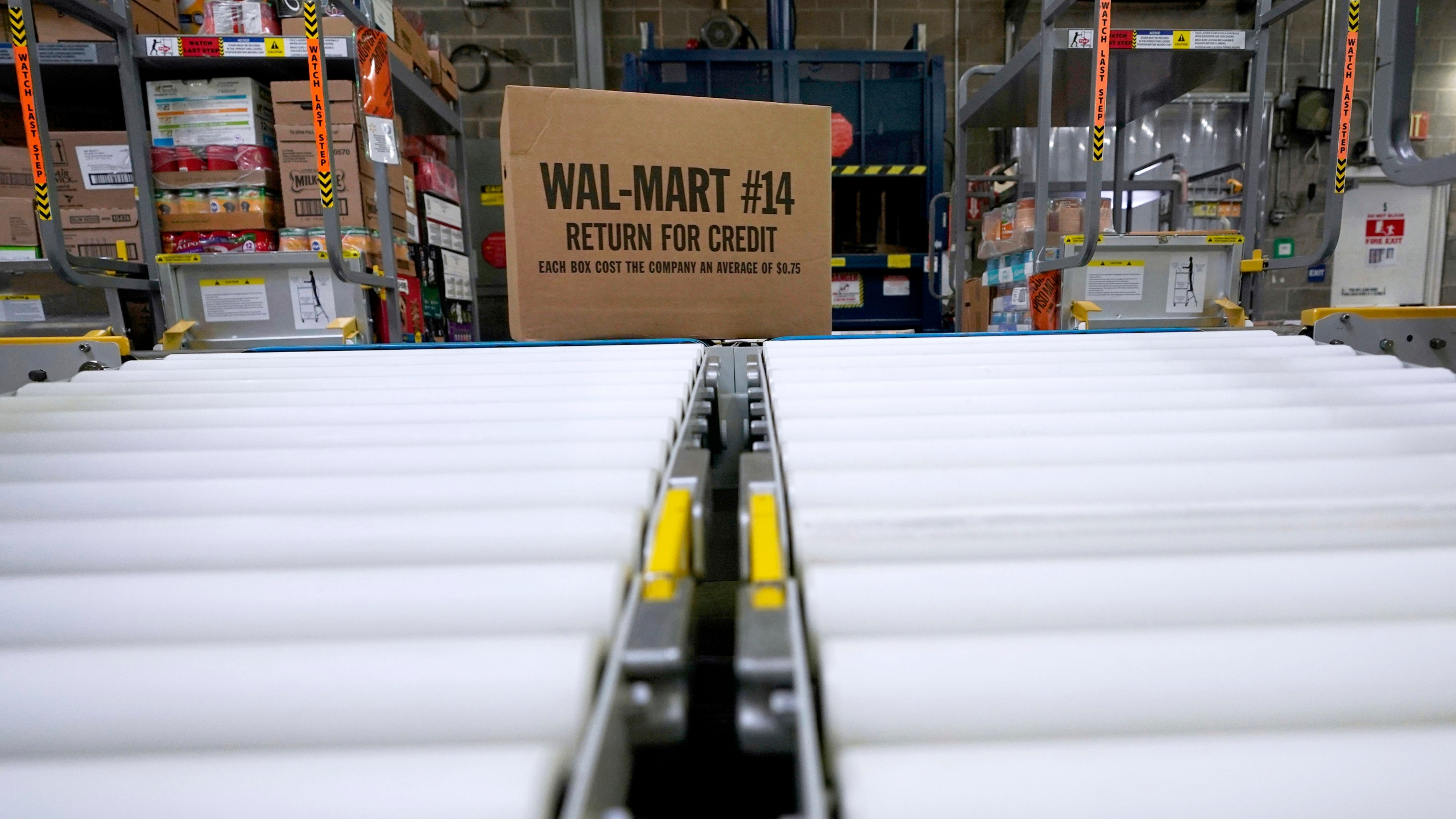 Walmart_Grocery_Delivery_31817-159532.jpg49338853