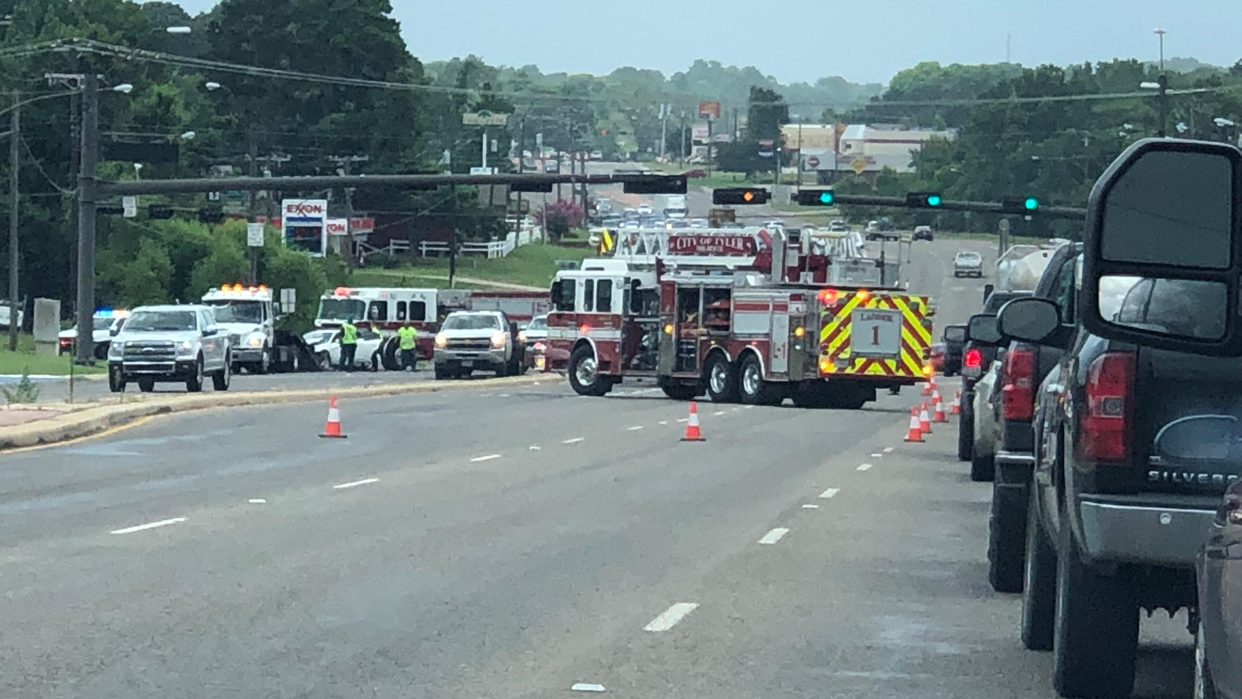 Tyler Police responding to major wreck on Loop 323 | KETK | FOX51