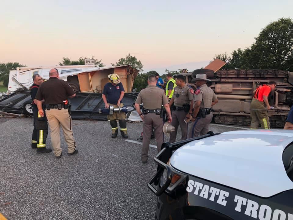 I-20 East shut down in Van Zandt County after major wreck