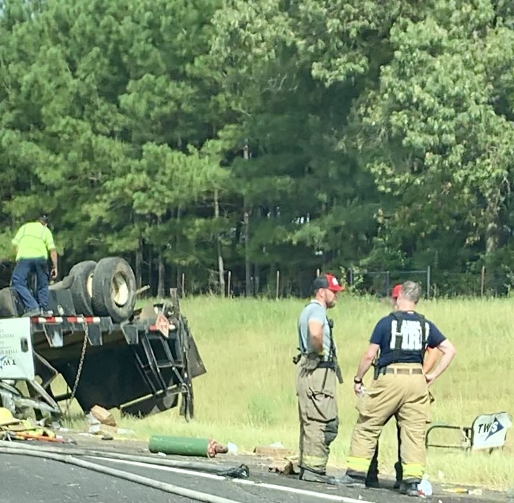 Chandler Police responding to rollover crash on SH 31 | KETK