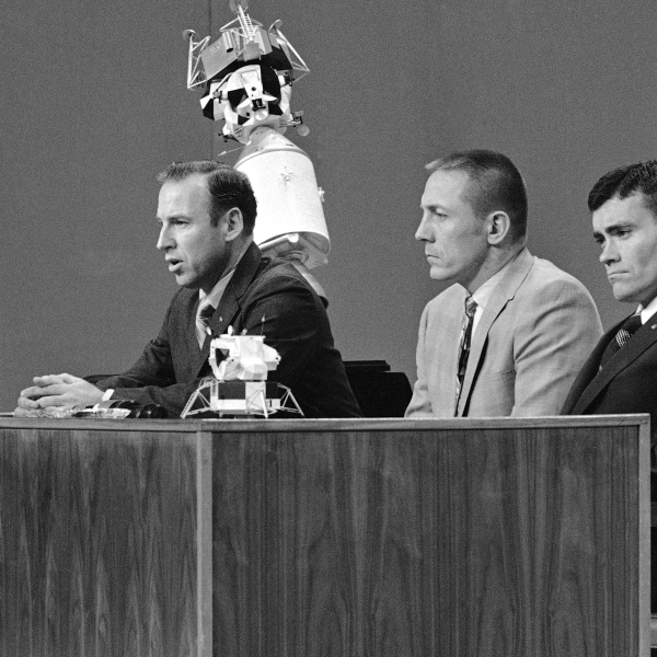 James Lovell, jim lovell, John Swigert, Fred Haise
